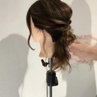 ねじり 上品 簡単ヘアアレンジ 女子会 ヘアスタイルや髪型の写真・画像