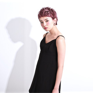 ベリーショート グラデーションカラー パープル モード ヘアスタイルや髪型の写真・画像