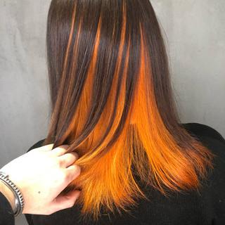 グラデーションカラー インナーカラー ミディアム オレンジ ヘアスタイルや髪型の写真・画像
