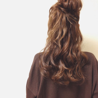 ヘアアレンジ 愛され セミロング ガーリー ヘアスタイルや髪型の写真・画像