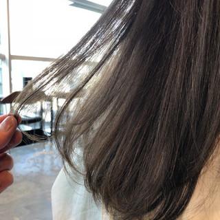 外国人風カラー グレージュ アッシュグレージュ 透明感 ヘアスタイルや髪型の写真・画像