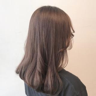 セミロング ミルクティーアッシュ ミルクティーグレージュ ナチュラル ヘアスタイルや髪型の写真・画像