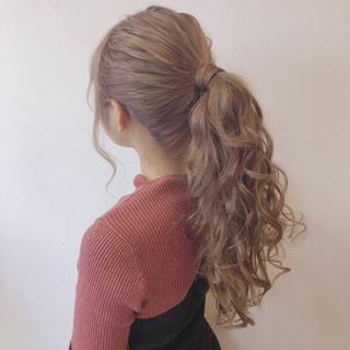 巻き髪 ポニーテール ロング ポニーテールアレンジ ヘアスタイルや髪型の写真・画像