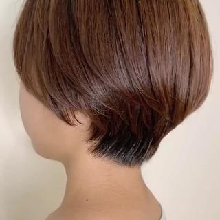 ナチュラル ショート 透明感カラー 前下がりショート ヘアスタイルや髪型の写真・画像