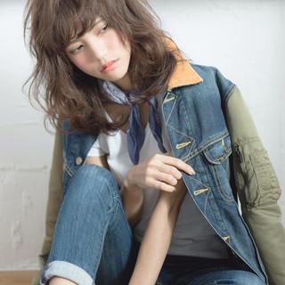 ストリート 抜け感 ゆるふわ 外国人風 ヘアスタイルや髪型の写真・画像