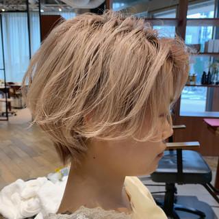 ショートヘア ハンサムショート ショート ハイトーン ヘアスタイルや髪型の写真・画像