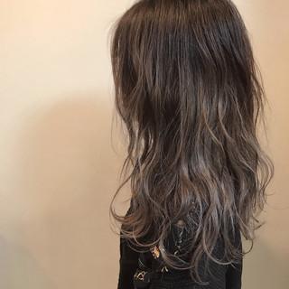 フェミニン バレイヤージュ セミロング ヘアスタイルや髪型の写真・画像