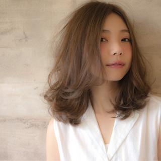 ガーリー フェミニン 外国人風 ミディアム ヘアスタイルや髪型の写真・画像