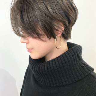 コンサバ ハイライト アッシュグレー ショート ヘアスタイルや髪型の写真・画像