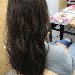 セミロング グレージュ ブルージュ ナチュラル ヘアスタイルや髪型の写真・画像 ヘアスタイルや髪型の写真・画像