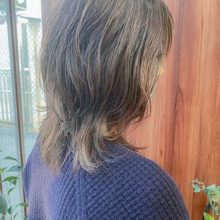 ミディアム ミディアムレイヤー レイヤーカット ナチュラル ヘアスタイルや髪型の写真・画像