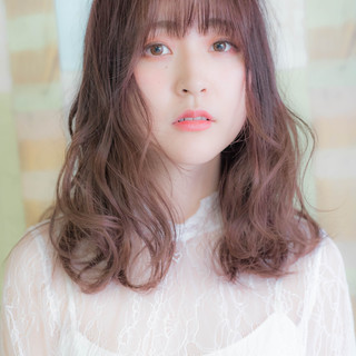 モテ髪 フェミニン セミロング ピンクベージュ ヘアスタイルや髪型の写真・画像