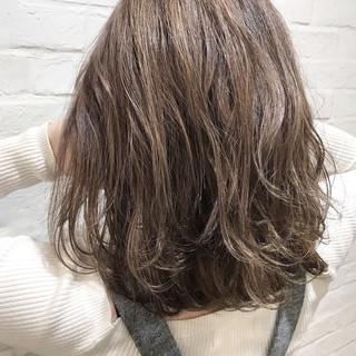 ミディアム ブラウン アッシュ グレージュ ヘアスタイルや髪型の写真・画像 ヘアスタイルや髪型の写真・画像