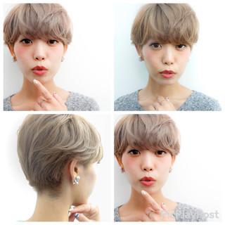 ハイトーン ショート ベージュ マッシュ ヘアスタイルや髪型の写真・画像