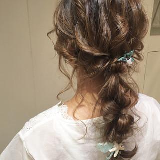 編み込み ロング ナチュラル 大人かわいい ヘアスタイルや髪型の写真・画像