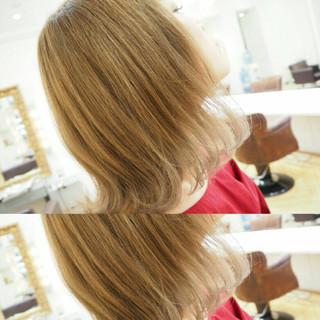 グレージュ グラデーションカラー 透明感 外国人風 ヘアスタイルや髪型の写真・画像