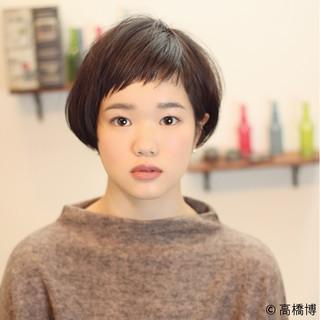 ナチュラル 大人かわいい ショート ショートバング ヘアスタイルや髪型の写真・画像 ヘアスタイルや髪型の写真・画像