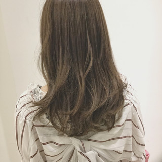 ウェーブ 透明感 ゆるふわ セミロング ヘアスタイルや髪型の写真・画像
