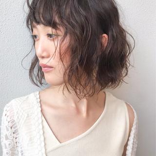 ゆるふわパーマ コンサバ 大人かわいい 切りっぱなしボブ ヘアスタイルや髪型の写真・画像