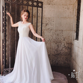 ミディアム 花嫁 エレガント ブライダル ヘアスタイルや髪型の写真・画像 ヘアスタイルや髪型の写真・画像