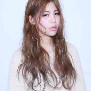 アッシュ ゆるふわ ブラウン 外国人風 ヘアスタイルや髪型の写真・画像 ヘアスタイルや髪型の写真・画像