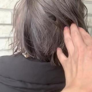 グレージュ ショート ガーリー ダブルカラー ヘアスタイルや髪型の写真・画像