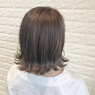 クリーミーカラー ミルクティーベージュ ナチュラル イルミナカラー ヘアスタイルや髪型の写真・画像