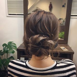 ナチュラル 簡単ヘアアレンジ ウェーブ アンニュイ ヘアスタイルや髪型の写真・画像