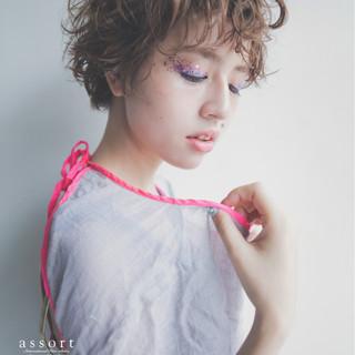 パーマ くせ毛風 モード 外国人風 ヘアスタイルや髪型の写真・画像