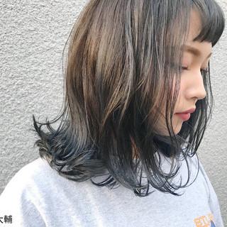 バレンタイン アッシュ 外国人風カラー アッシュグレー ヘアスタイルや髪型の写真・画像