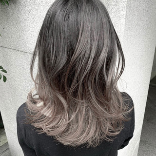 フェミニン ハイライト 外国人風 セミロング ヘアスタイルや髪型の写真・画像