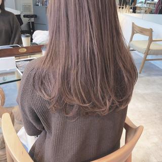 ピンクベージュ 大人かわいい ナチュラル 透明感 ヘアスタイルや髪型の写真・画像