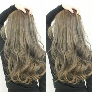 エレガント ロング 外国人風カラー 透明感 ヘアスタイルや髪型の写真・画像 ヘアスタイルや髪型の写真・画像