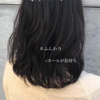 アンニュイほつれヘア 簡単ヘアアレンジ ミディアム ナチュラル ヘアスタイルや髪型の写真・画像