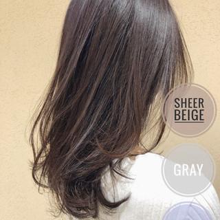ミディアム ナチュラル アッシュグレージュ 透明感 ヘアスタイルや髪型の写真・画像