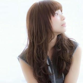 外国人風 ブラウン フェミニン 前髪あり ヘアスタイルや髪型の写真・画像