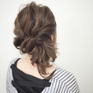 簡単ヘアアレンジ ショート 大人かわいい セミロング ヘアスタイルや髪型の写真・画像