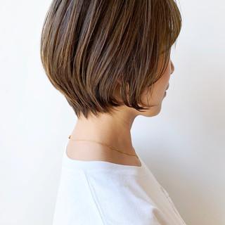 ばっさり ショートボブ ショート オフィス ヘアスタイルや髪型の写真・画像 ヘアスタイルや髪型の写真・画像