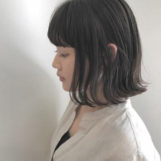 外ハネ ナチュラル 秋 透明感 ヘアスタイルや髪型の写真・画像