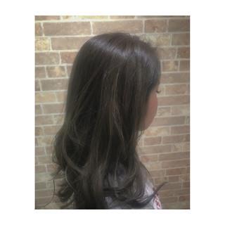 セミロング グレージュ 透明感 モード ヘアスタイルや髪型の写真・画像 ヘアスタイルや髪型の写真・画像