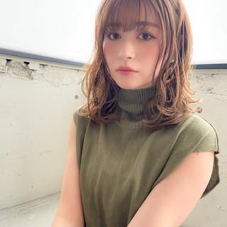アンニュイほつれヘア ミディアム モテ髪 毛先パーマ ヘアスタイルや髪型の写真・画像