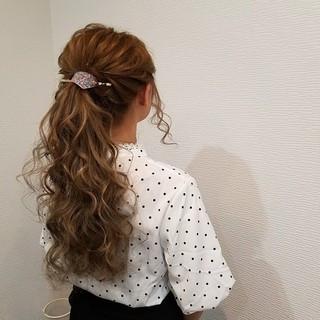 ねじり フェミニン ヘアアレンジ ポニーテール ヘアスタイルや髪型の写真・画像