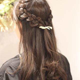 フェミニン 簡単ヘアアレンジ ロング 透明感 ヘアスタイルや髪型の写真・画像