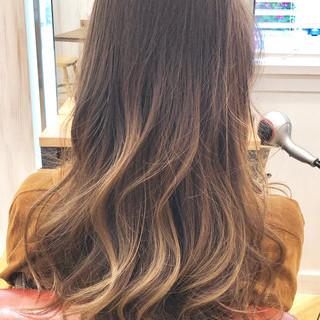 バレイヤージュ 大人女子 グラデーションカラー 外国人風 ヘアスタイルや髪型の写真・画像