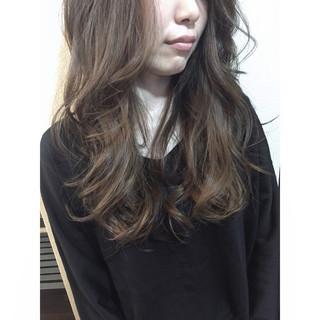 ハイライト ブルーアッシュ ナチュラル アッシュ ヘアスタイルや髪型の写真・画像