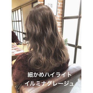 ラベンダーアッシュ ナチュラル イルミナカラー アンニュイほつれヘア ヘアスタイルや髪型の写真・画像