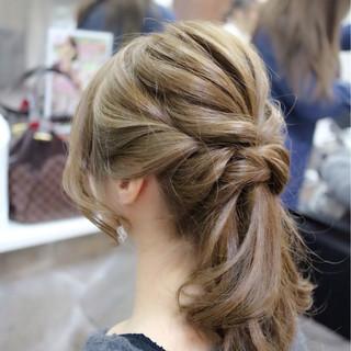 デート セミロング エレガント 上品 ヘアスタイルや髪型の写真・画像