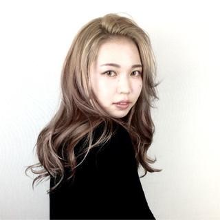 グラデーションカラー モード ロング 外国人風 ヘアスタイルや髪型の写真・画像