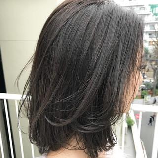 透明感 グレージュ ミディアム ナチュラル ヘアスタイルや髪型の写真・画像