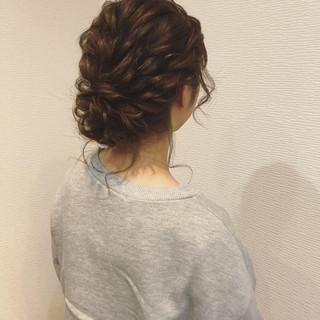 ヘアセット ミディアム ねじり アップスタイル ヘアスタイルや髪型の写真・画像